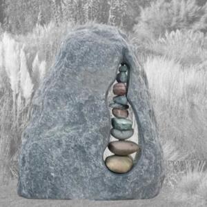 Zwerfkeien, rotsen en ruwe grafstenen