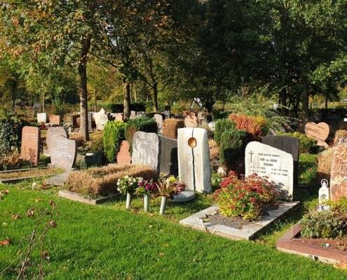 Begraafplaats Almere grafstenen