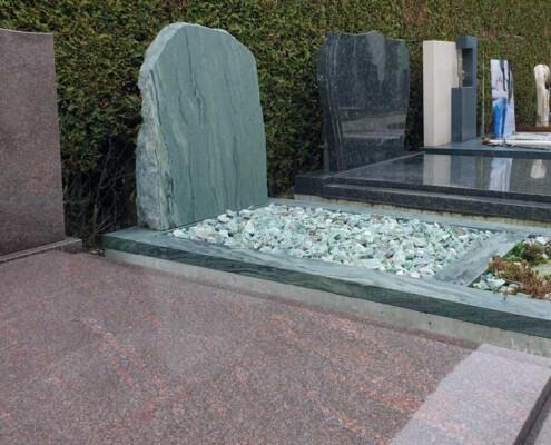 Monumententuin Weerstand Grafmonumenten in Urk